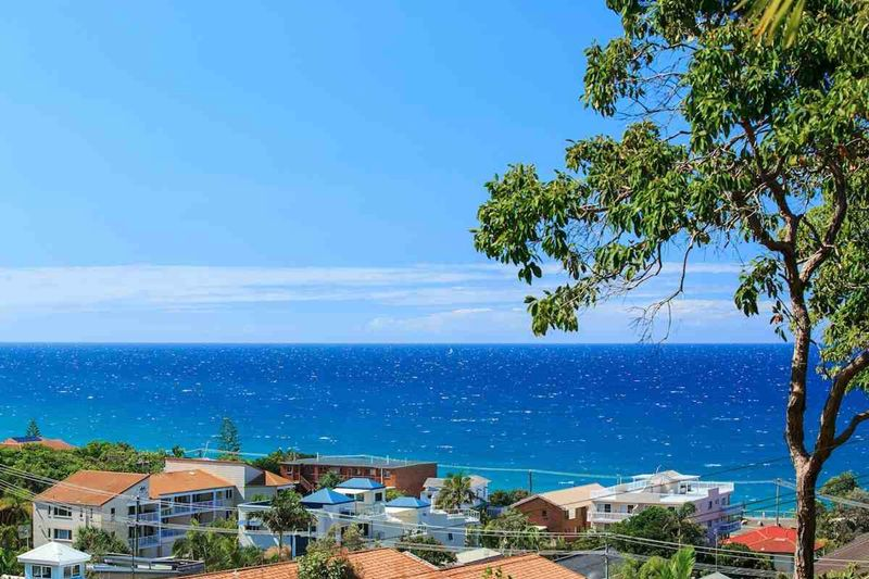 coolum_beach_holidays